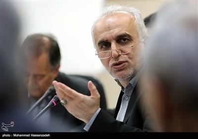 فرهاد دژپسند وزیر پیشنهادی امور اقتصادی و دارایی در اتاق بازرگانی ایران