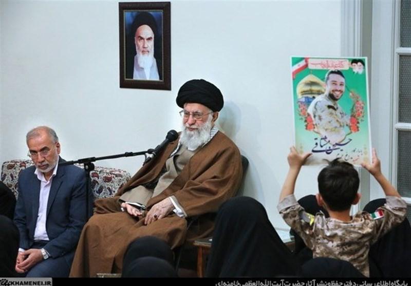 تصاویر دیدار رهبر انقلاب با خانواده شهدای مدافع حرم