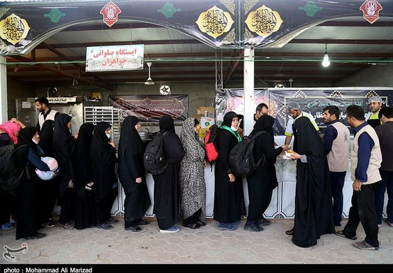 5 موکب بزرگ در استان کرمانشاه به زائران اربعین حسینی خدمترسانی میکنند