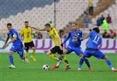 لیگ برتر فوتبال| تساوی استقلال و سپاهان در پایان نیمه نخست با یک تلفات