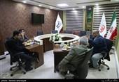 اسماعیل براری فیلمساز و عبدالله باکیده فیلمساز در میزگرد سینمای دفاع مقدس