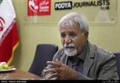 عبدالله باکیده فیلمساز در میزگرد سینمای دفاع مقدس