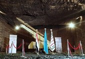 """القوة الصاروخیة الیمنیة تزیح الستار عن صاروخ """" بدرP-1 """" البالیستی"""