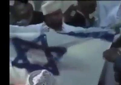 مردم «عمان» پرچم اسرائیل را به آتش کشیدند + فیلم