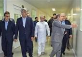 معاون رئیس جمهور از یک شرکت تولید کننده دارو های ضد سرطان بازدید کرد