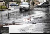 بارش باران در محورهای مواصلاتی فارس؛ جادهها لغزنده است