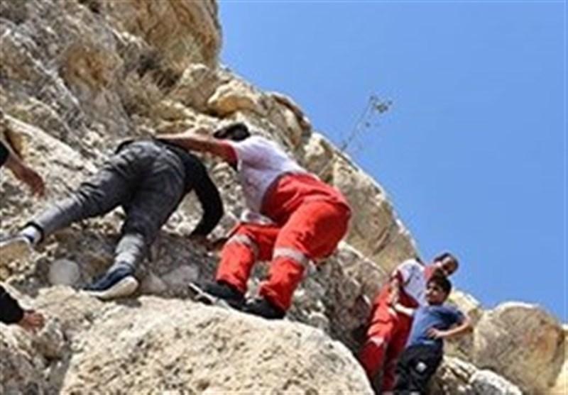 بوشهر| امدادگران هلال احمر 6 نفر را در کوههای پردیس جم نجات دادند+تصاویر