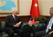 تاکید نماینده ترامپ بر ادامه حضور نظامیان آمریکایی در خاک سوریه