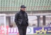 اصفهان| مهدی تارتار: خیلی راحت میتوانم قراردادم را با باشگاه پارس جنوبی فسخ کنم/ تیمی که نتیجه میگیرد مربی و بازیکنانش خواهان دارند