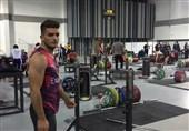 وزنهبرداری قهرمانی جهان  رتبه چهارمی عارف خاکی در گروه B