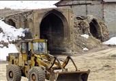 آسیب کاروانسرای 400 ساله به دلیل تجهیزات راهداری/ ساخت پل شیشهای در تنگه واشی