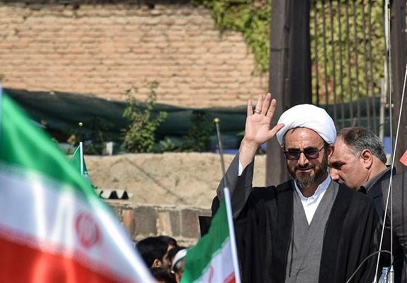 ایلام| استمرار و حضور مردم بیمهکننده انقلاب اسلامی از گزند دشمنان است