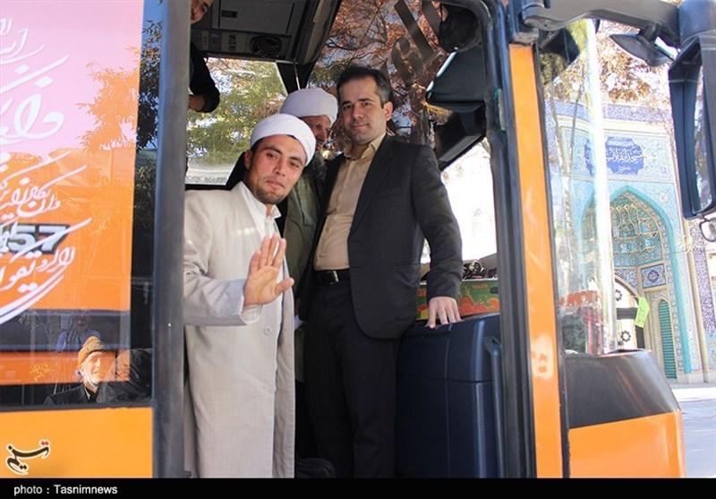 کاروان زیارتی اهلتسنن خراسان شمالی به پابوسی علیبن موسی الرضا(ع) مشرف شدند+تصاویر