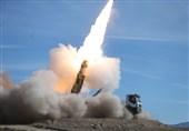 """مناورات المدافعون عن سماء الولایة.. منظومة """"تلاش"""" الصاروخیة تسقط عدة أهداف معادیة على ارتفاعات عالیة"""