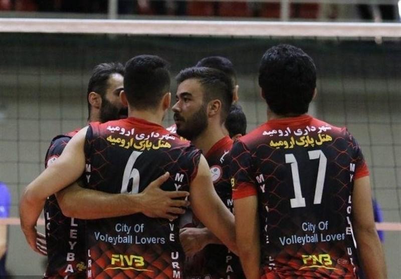 تیم والیبال شهرداری ارومیه از سد شهداب یزد گذشت