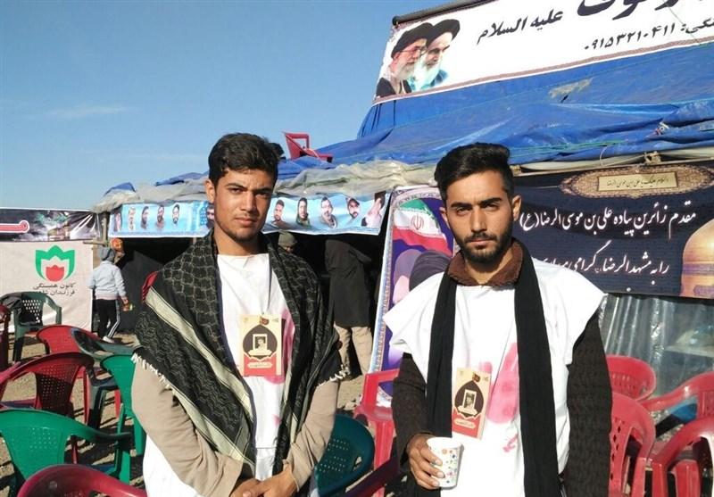 اجرای طرح نائب الشهید برای زائران پیاده حرم رضوی + تصاویر