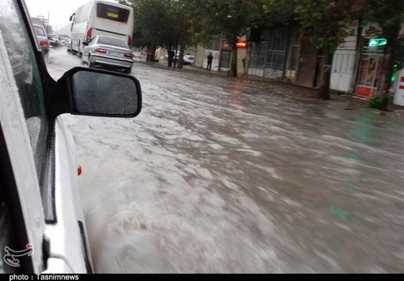 بارندگیهای سیل آسا در لرستان از بامداد یکشنبه آغاز میشود
