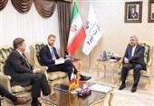 دیدار وزیر نیرو با سفیر نروژ/اردکانیان: تحریمهای آمریکا مانع پیشرفت ایران نمیشود