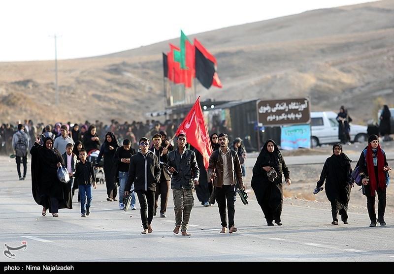 پیادهروی زائران رضوی  ورود 2.5 میلیون زائر به مشهد / آمار زائران پیاده از مرز 200000 نفر گذشت / لحظه وصال نزدیک است+ فیلم و تصاویر