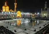 پیادهروی زائران رضوی  ورود 2.5 میلیون زائر به مشهد / اجتماع عظیم عزاداران نبوی در حرم رضوی / شب دلدادگی زائران در بهشت ایران + فیلم و تصاویر