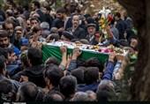 """پیکر شهید """"سید نور خدا موسوی"""" در گلزار شهدای خرمآباد آرام گرفت+تصاویر"""