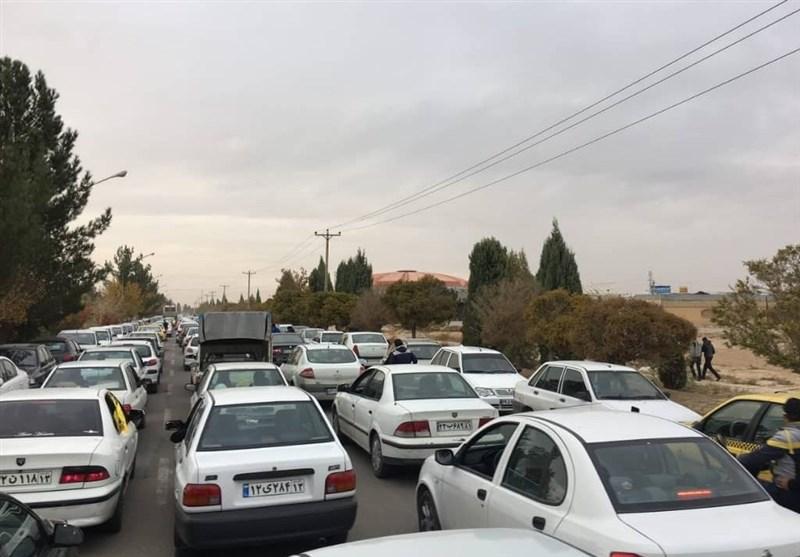 ترافیک محور مشهد - ساری - تهران بسیار سنگین است؛ مسافران بازگشت خود را به فردا موکول کنند
