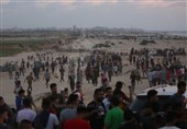 """37 إصابة برصاص الاحتلال الصهیونی فی جمعة """"المسیرة مستمرة"""""""