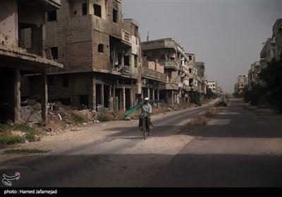 با وجود تخریب خانه ها و ساختمان های ویران شده بر اثر جنگ داعش با ارتش سوریه همچنان مردم شهرحمص به زندگی خود در این شهر ادامه می دهند