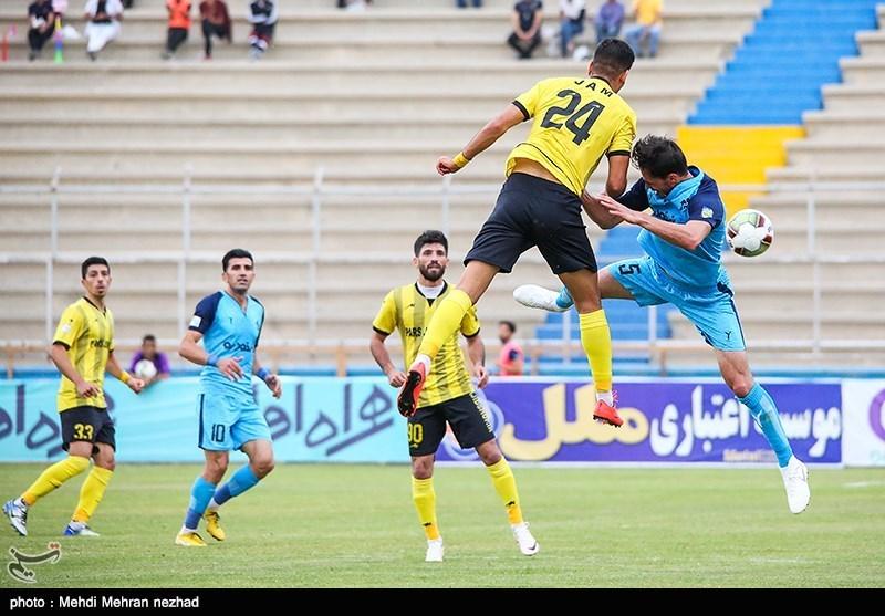 فوتبال استان بوشهر به کمک مسئولاننیازمند است