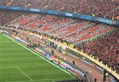 حاشیه دیدار پرسپولیس - کاشیما آنتلرز| تشویق بازیکنان از سوی هواداران/ اشکهای بازیکنان پس از دست دادن قهرمانی