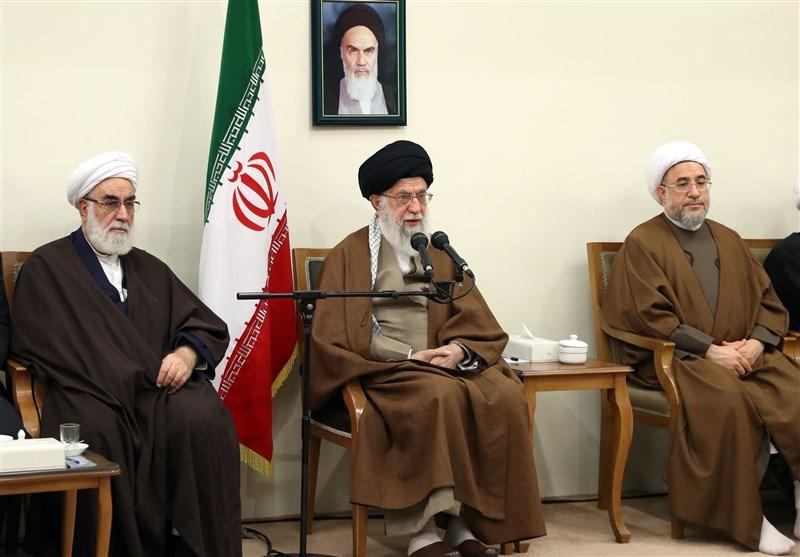 امام خامنهای: اگر روحیه جهاد و شهادت گسترش یابد گرایش به شرق و غرب رخت برمیبندد
