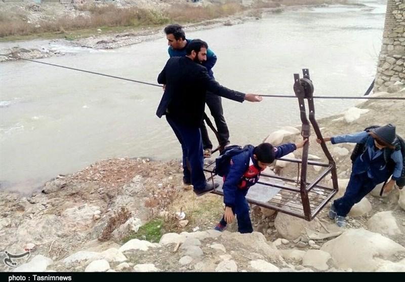 لرستان  روستایی که مردم آن انگشت ندارند؛ قطع عضو کرایه عبور از رودخانه+تصویر