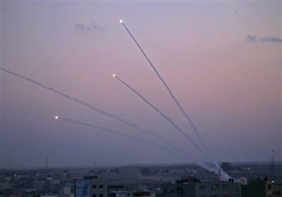 پاسخ مقاومت به تجاوزات نظامی صهیونیستها/ اعتراف تلآویو به شلیک 100 موشک از سمت غزه