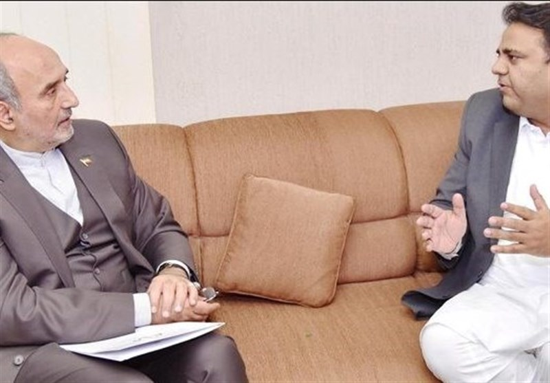 ایرانی سفیرکی وزیراطلاعات فواد چوہدری سے ملاقات، پاک ایران تعلقات پر تبادلہ خیال