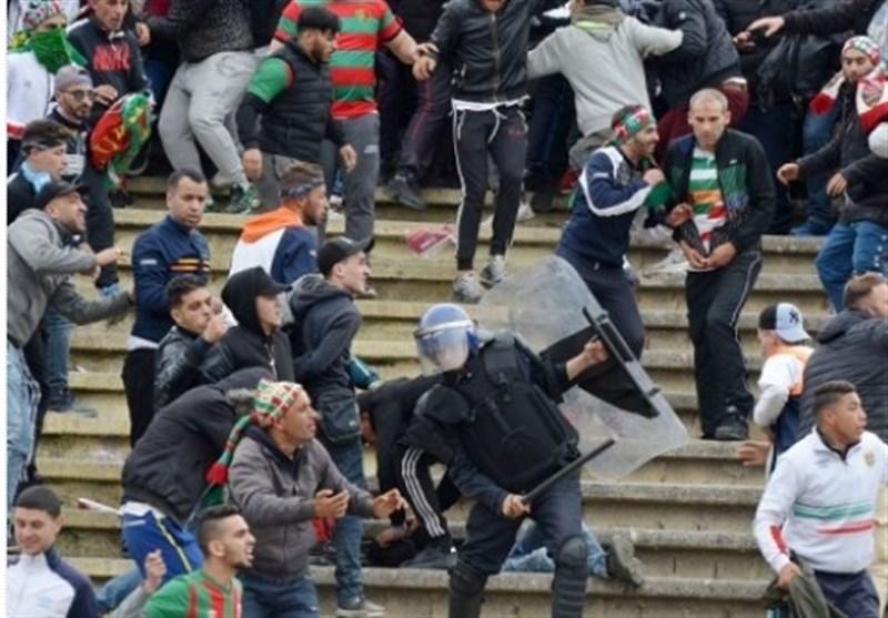 فوتبال جهان   زخمیشدن 40 هوادار و پلیس الجزایر در یک بازی فوتبال