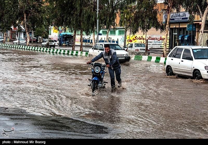 احتمال آبگرفتگی معابر عمومی و سیلابی شدن مسیلها در 4 استان