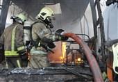 تصاویر/ آتشسوزی 4 اتوبوس در گاراژ 4 هزار متری