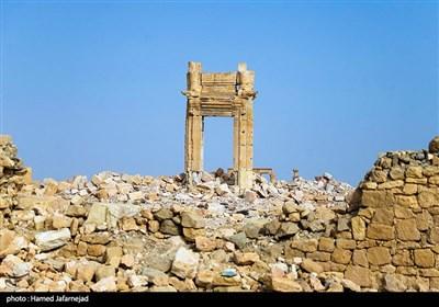 """بقایای دروازه وردودی معبد تاریخی """"بل"""" در شهر پالمیرا سوریه پس از انفجار حمله داعش در سال2015"""