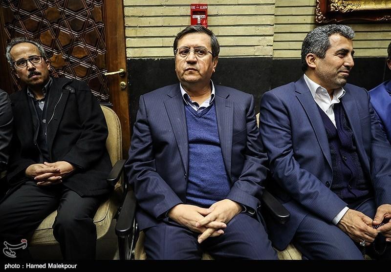 عبدالناصر همتی رئیس کل بانک مرکزی در مراسم ختم مدیرعامل و معاون سازمان تأمین اجتماعی