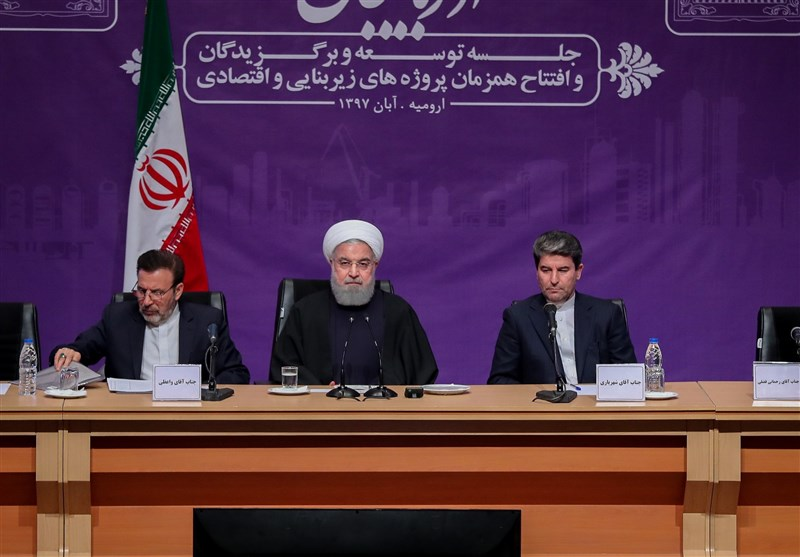 روحانی خبر داد: 4 یا 5 نوبت کمک جبرانی 200هزار تومانی دولت به خانوادهها/ تولید نفت به «صفر» نمیرسد