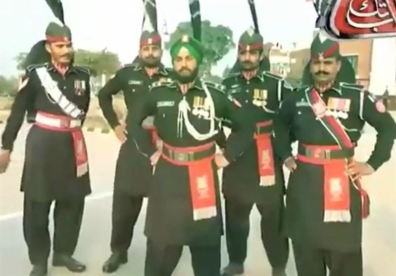 واگہ بارڈر پر پاکستانی سیکھ رینجراہلکارکی دھوم+ ویڈیو