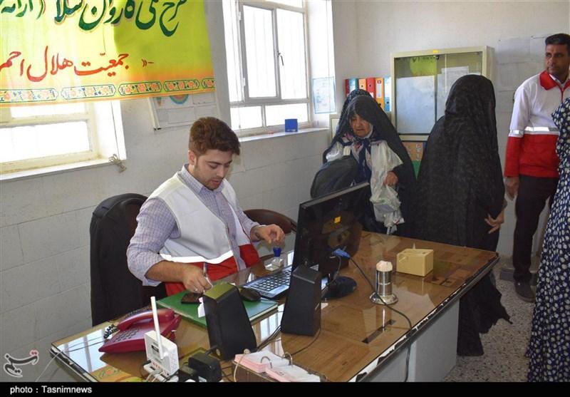 کاروان سلامت هلال احمر مردم نقاط محروم خراسان جنوبی را رایگان ویزیت کرد