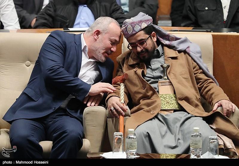 نماینده انصارالله یمن و ناصر ابوشریف نماینده جنبش جهاد اسلامی فلسطین در همایش حمایت از مردم مظلوم یمن