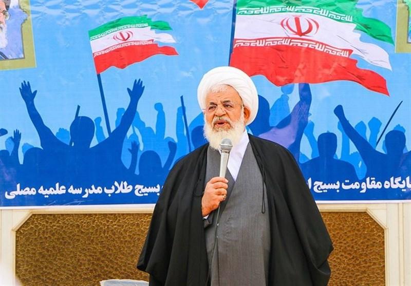 یزد| افراد بازنشسته نباید به حال خود رها شوند