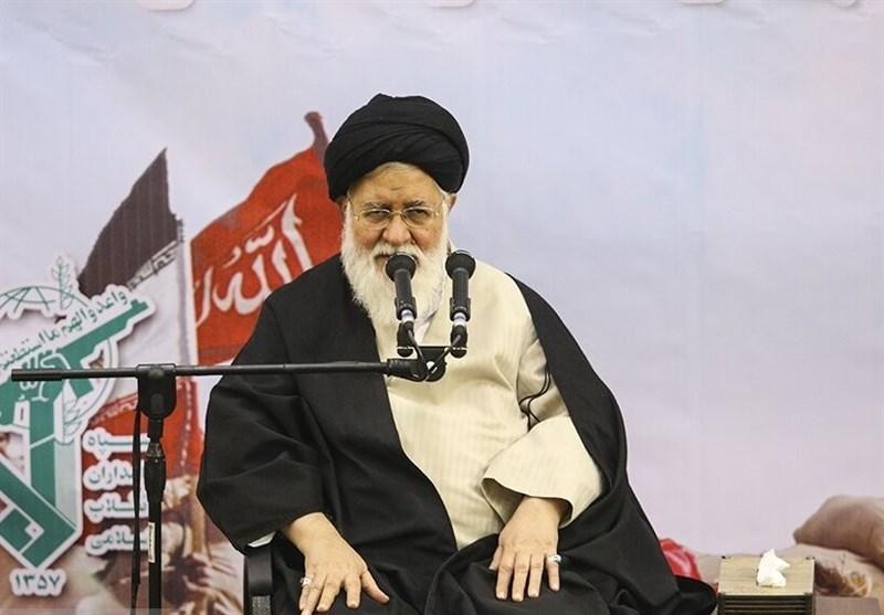 آیتالله علمالهدی: رهبر انقلاب چند ماه قبل از فتنه 88 آن را پیشبینی کردند/ دشمن در حال زمینهسازی برای فتنه 98 است