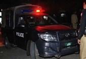 کراچی: عزیزآباد میں ڈاکوؤں کی فائرنگ، پولیس اہلکار زخمی