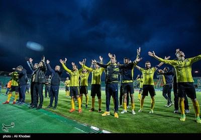 دیدار تیمهای فوتبال ذوب آهن و پارس جنوبی