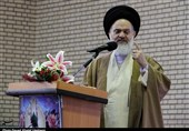 آیتالله حسینی بوشهری: تهدیدات رئیسجمهور آمریکا را نباید جدی گرفت