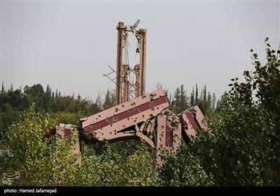 انفجار و تخریب پل که نماد شهر دیرالزور در کنار رود فرات در کشور سوریه بود که بدست تروریست های داعش منفجر شده است
