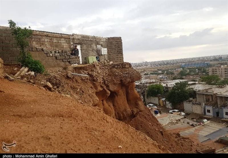هشدار عضو شورای شهر اهواز درباره ریزش کوه بر سر ساکنان محله منبع آب